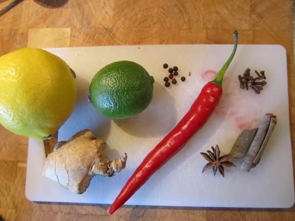Lemon, lime, ginger, chili, pepper, cloves, cinnamon, star anise.